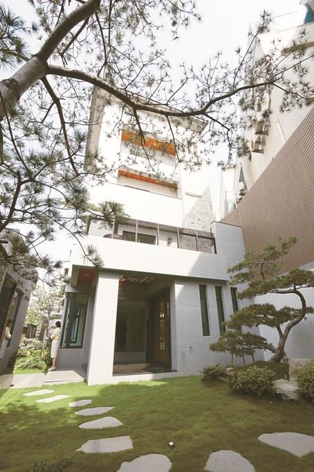 台南北區鄭仔寮超豪宅出現了[天寶] 億萬身價,看屋得預約。