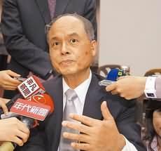 財政部長張盛和指出,暑假將開始檢討奢侈稅。