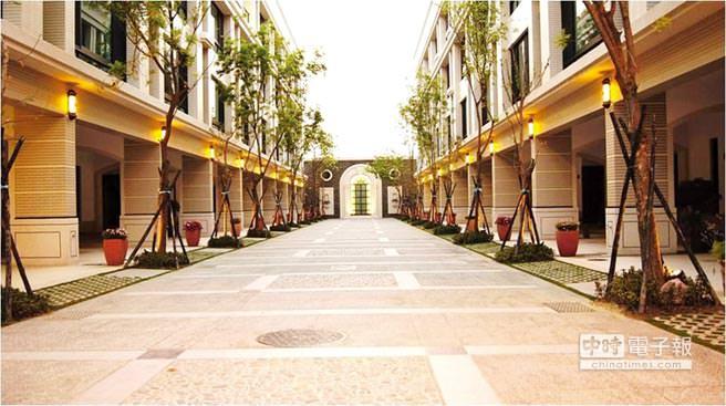 南科LM特定區,目前已完工的戶數約一千戶,未來還有四千戶等待興建,新屋銷售火紅