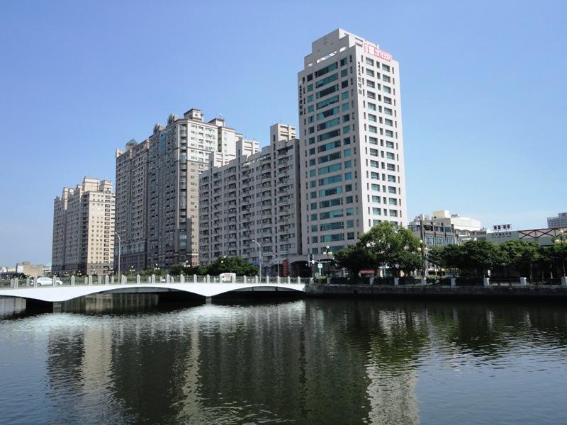 興富發:公告本公司取得台南市安平區金華段土地。(61.99萬/坪)興富發南北獵地 明年H2推案
