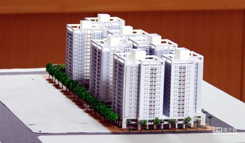 富立建設提出七棟地下2層、地上15層的大樓模型。
