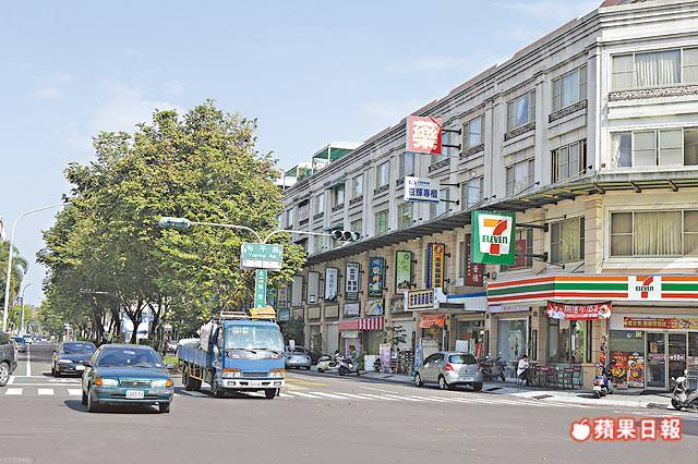3月房屋買賣量回穩,中南部回溫速度快於北部 台南市3月建物買賣移轉棟數為1756戶,月增45.6%