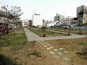 台南市東區德高區段徵收工程 10米路開闢半邊 挨轟牛步