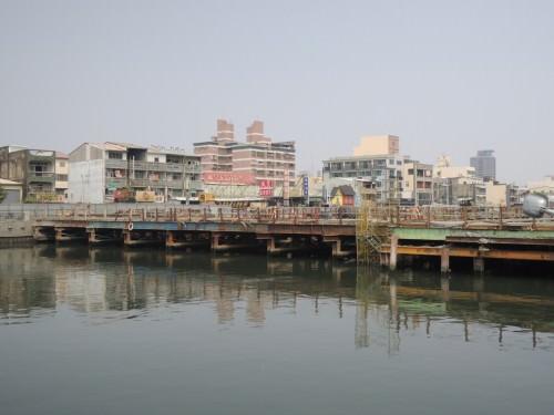 運河沿線最後一座改建的橋梁─承天橋預計六月完工通車。(記者吳孟珉 攝)