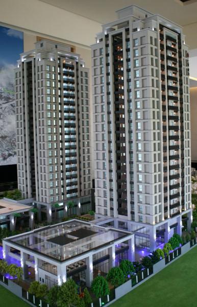 外地建商紛紛湧入台南推大樓案,圖為供人參觀的模型。