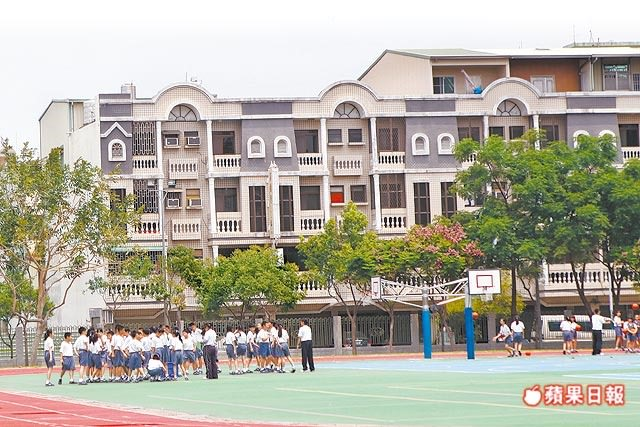 慈濟中學生活圈 中古別墅 總價1200萬起