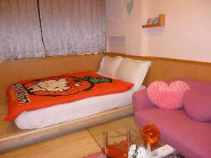 民宿的房間布置,業者都別出心裁,希望能夠得到客人喜愛。(記者林雪娟攝)