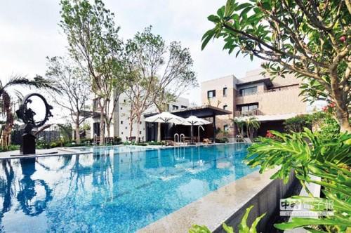 「禾雅內」社區內有露天游泳池。圖/陳惠珍