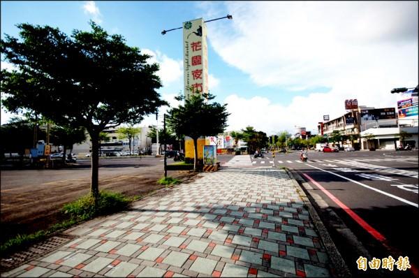 花園夜市為台南市區知名觀光消費景點,帶動商圈繁榮,也讓文賢生活圈的消費機能更充裕。(記者林耀文攝)