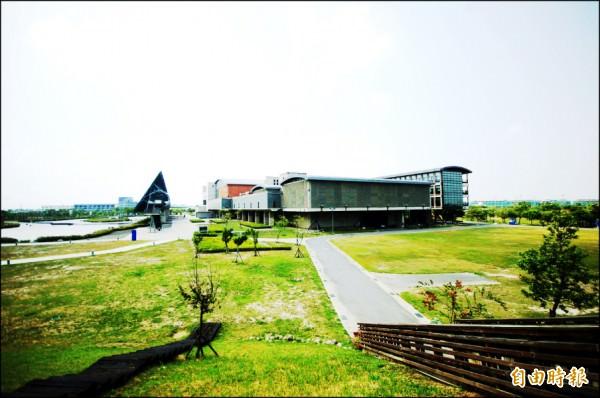 台史博館生活圈 萬坪綠地 別墅熱區
