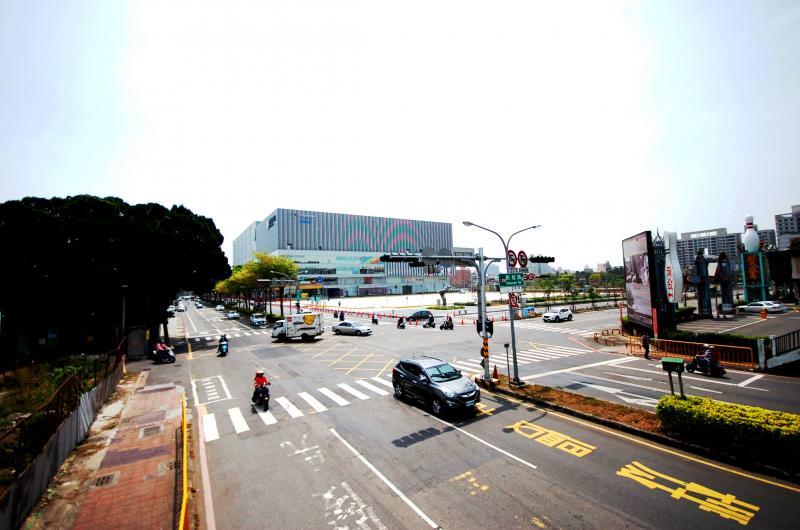 台南市東區房市持續成長,整合南紡購物中心、平實營區改建開發、虎尾寮重劃區開發與文化中心商圈成長,讓東區房市成為市區發展重要指標。