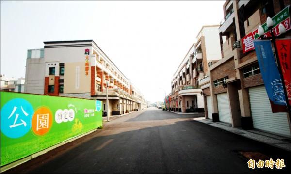 台南房市買氣迅速回籠,具備快速路網效應且坐擁綠地、學區優勢的平價宅,去化表現亮眼,新成屋市場缺貨態勢趨明顯。(記者林耀文攝)