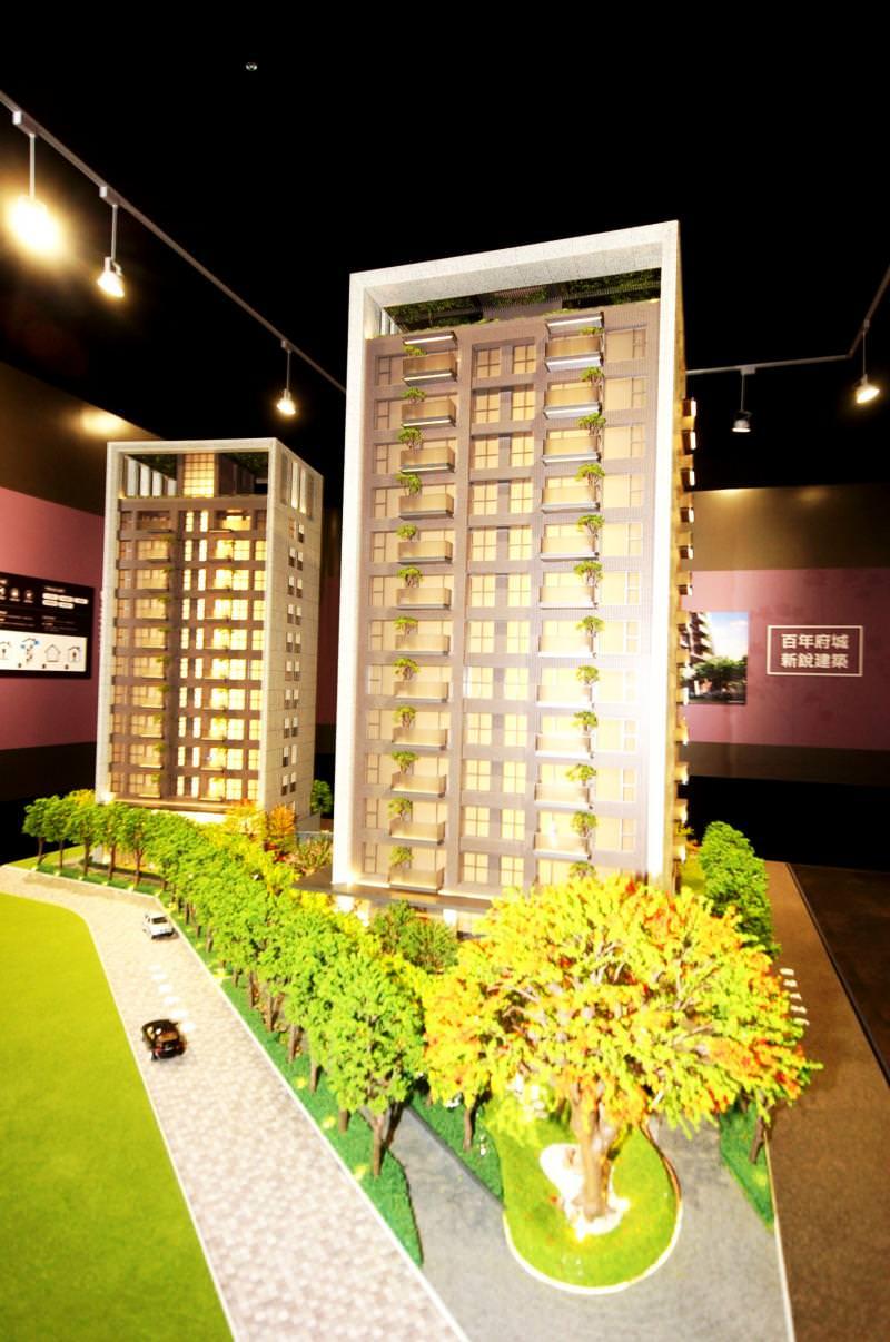 已有四十餘年建築經驗的誠美地產,從北部豪宅市場返回台南推案,不惜高成本引進日系松下營造精工建築,展現出媲美豪宅般的建築規畫與施工品質。