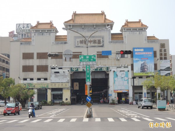 中國城未來拆掉後的廣場,將與中正路、海安路形塑府城軸帶景觀地標。(記者洪瑞琴攝)