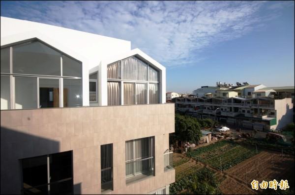兼具規劃高質感、綠地環境、便利交通與成熟商圈優點的台南平價宅,是當前首購族與南科工程師客層購屋優選目標。(記者林耀文攝)