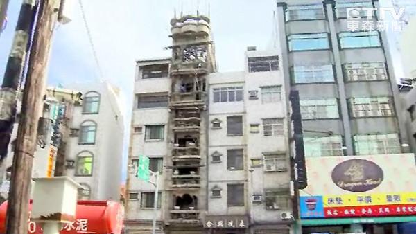蓋44年未完工!台南仁德交流道旁超大違建市府沒看到?