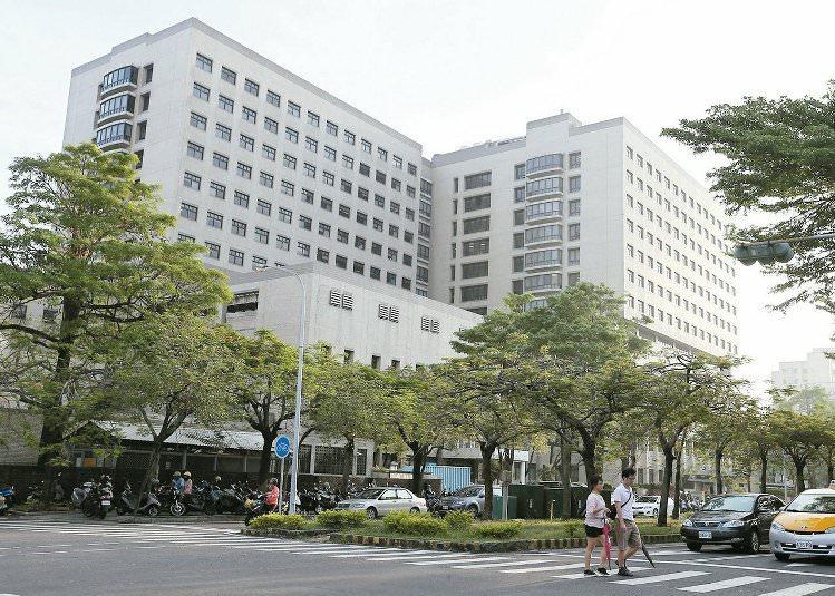 台南北區附近商圈以成大醫院為主。 記者劉學聖/攝影