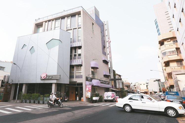 台南東區東門路二段的「雙橡園」周遭街道。 記者程宜華/攝影