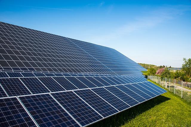 首座太陽能電廠 坐落關廟